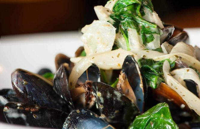 Pesto Mussels | Courtesy of Insomnia