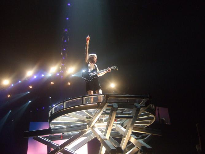 AC/DC performing in 2008 | © Yannick Croissant/Flickr