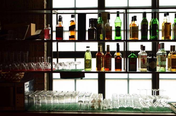 Liquor bottles | © Nicolas Lannuzel/Flickr