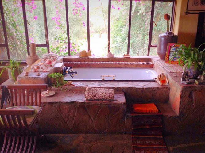 Ashanti Room