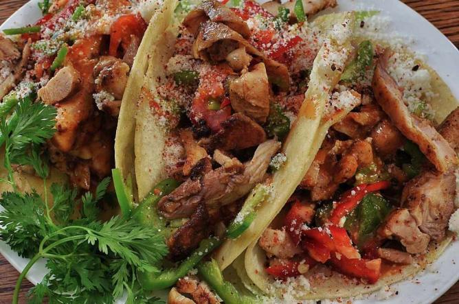 Mmm... grilled chicken tacos