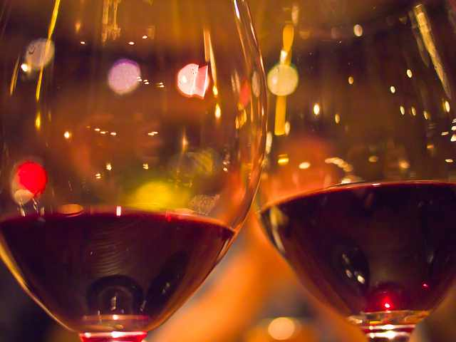 Cheers! | © Marlon E/Flickr