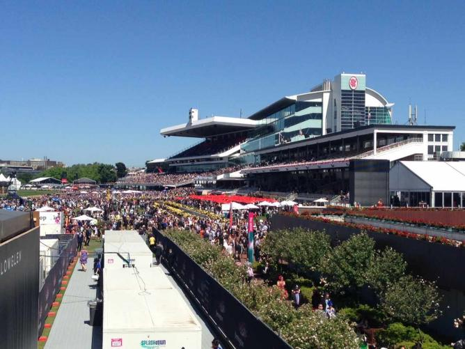 The big grandstand at Flemington Racecourse | © Ute Raabe
