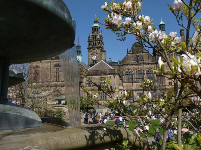 Spring in the Peace Gardens | © Monika/flickr