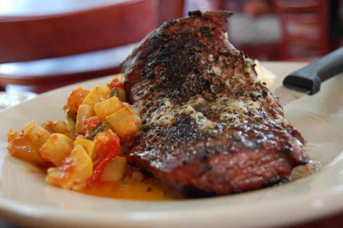 flat iron steak l © stu_spivack/Flickr
