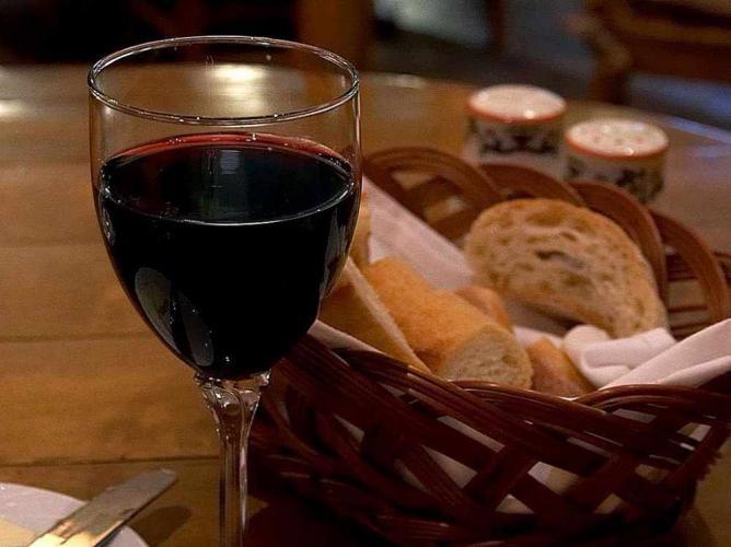 Wine | © Jon Sullivan/Wikicommons