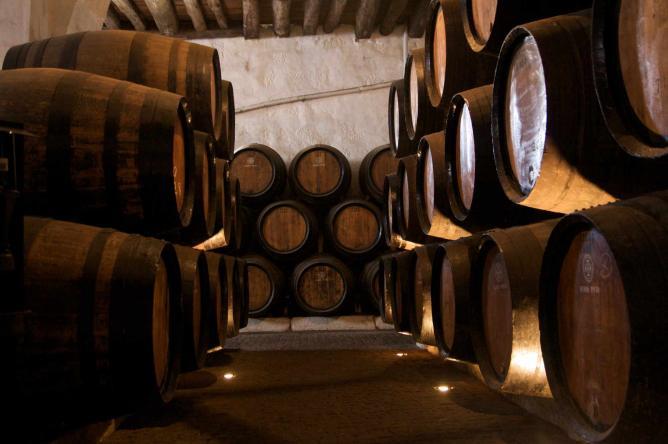 Barrels   © Peter/WikiCommons