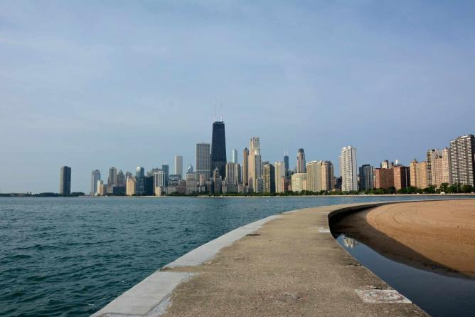 City Skyline View from North Ave. Beach|©Julian Boed/Flickr