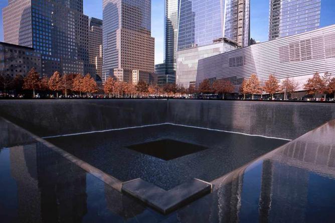 9/11 Memorial | © Tom Hart