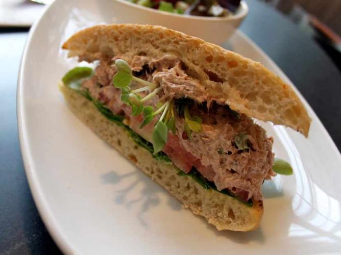 A tasty chicken salad sandwich | © Lori Greig/Flickr