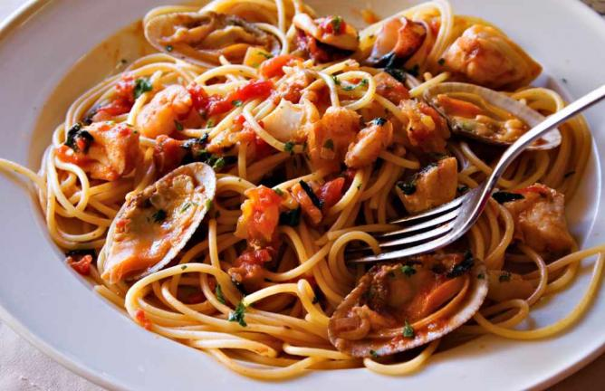 Seafood pasta©Benjie Ordoñez/Flickr
