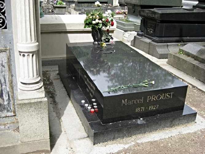 Marcel Proust's grave   © Greg Whalin/Flickr