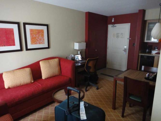 Room in Sacramento Inn   © GlacierGuyMT/Flickr