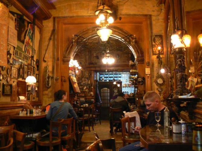 Sarajevo - kafe bar Zlatna Ribica - Page 2 56-3946388-1441799107a77052da7dc140b2a9c8793d62f251f0