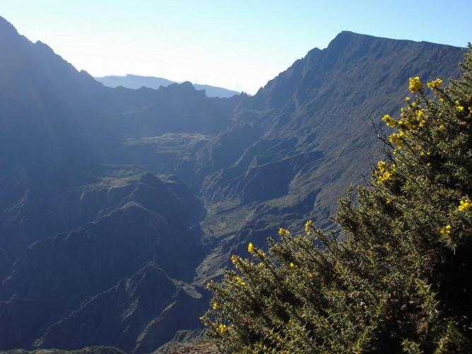 Beautiful terrain on Reunion Island | © Bouba/WikiCommons