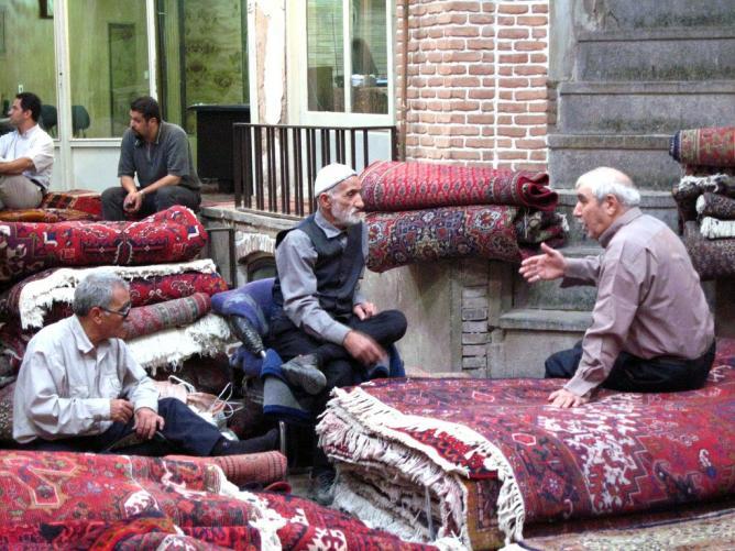 Carpet bazaar, Tehran | © Fulvio Spada/Flickr