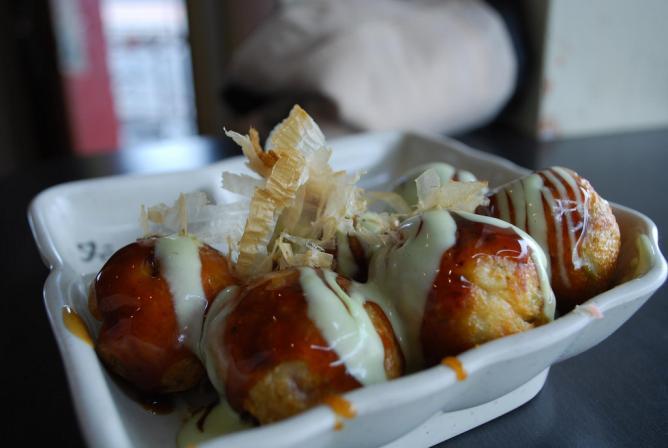 Takoyaki with wasabi mayonnaise | © Alpha/Flickr