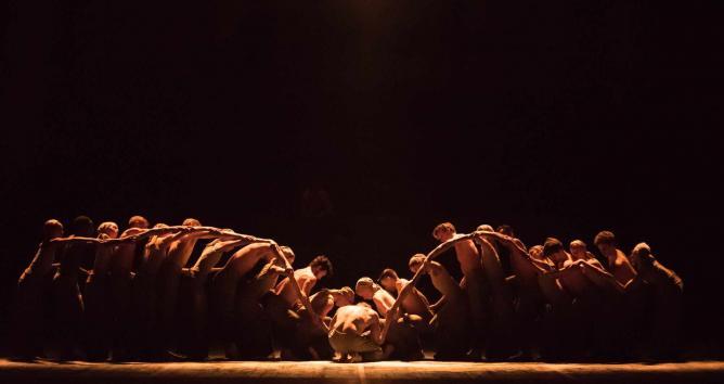 Dancers of English National Ballet in Akram Khan's 'Dust'   © ASH