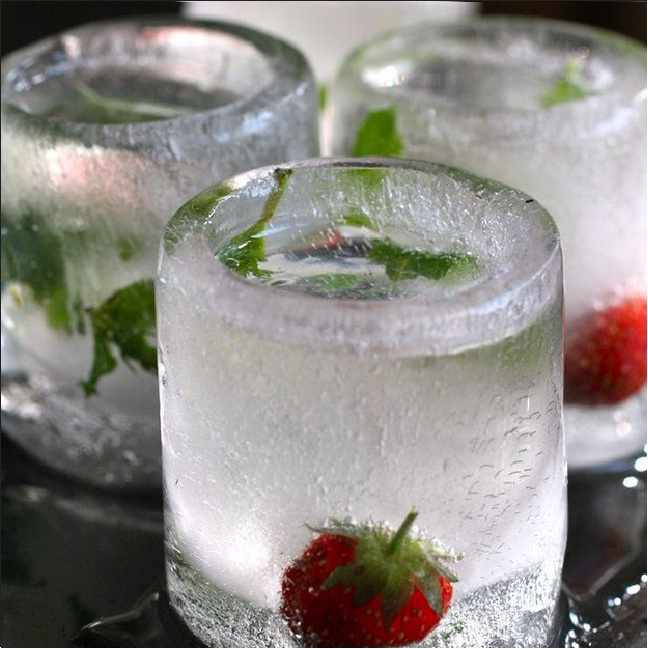 Ice glasses | © Wicker Paradise/Flickr