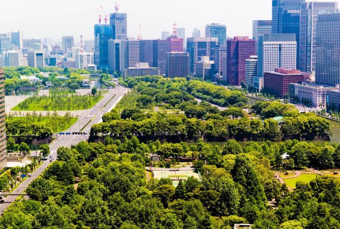 Looking over Hibiya Park   © Joi Ito/Flickr