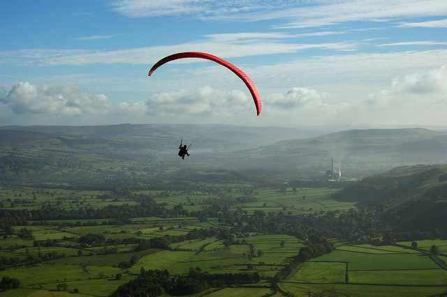 Paragliding 1 | © Simon Harrod/Flickr