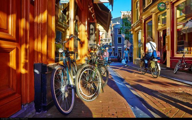 Amsterdam   © Moyan Brenn/Flickr