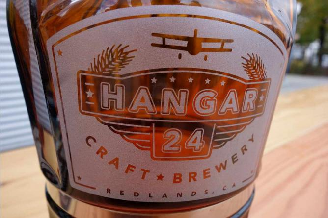Hangar 24 | © Dave Schumaker/Flickr