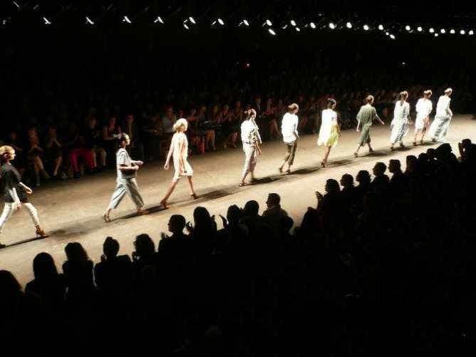 Yigal Azrouel Fashion Show | ©  Michael Mandiberg/Flickr