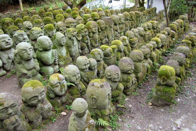 Rakan statues at Otagi Nenbutsu-ji
