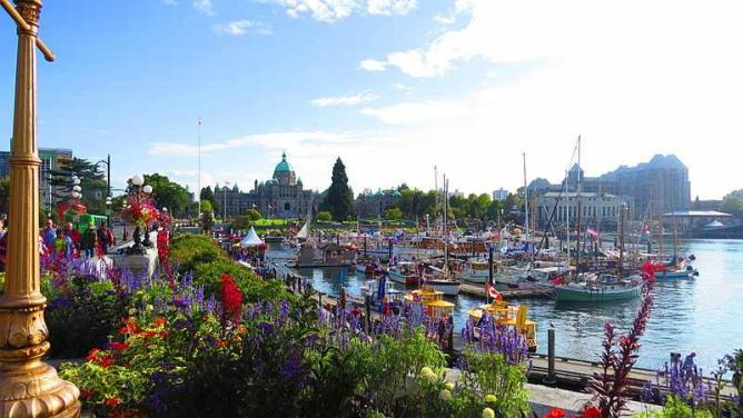 Inner Harbour Causeway, Downtown Victoria BC