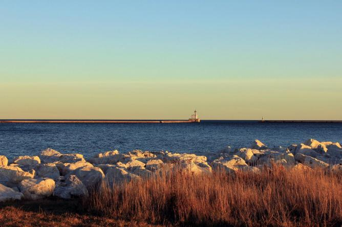 View of lighthouse and Lake Michigan | © Yinan Chen/Flickr