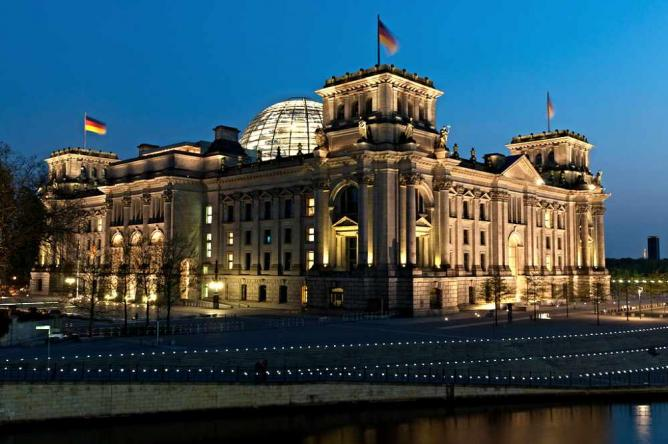 Reichstag Building in Berlin | © sfreimark/Flickr