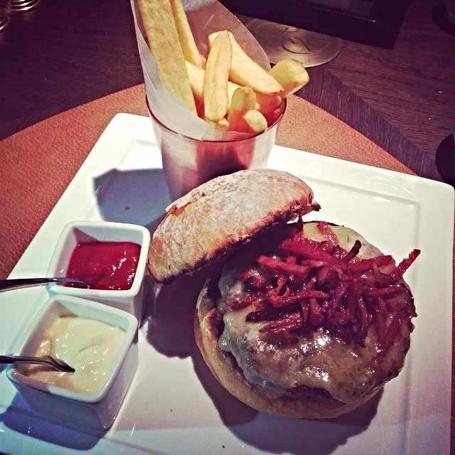 Rodeo Grill Burger