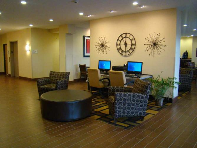 Econo Lodge | © Consolidated Construction/Flickr