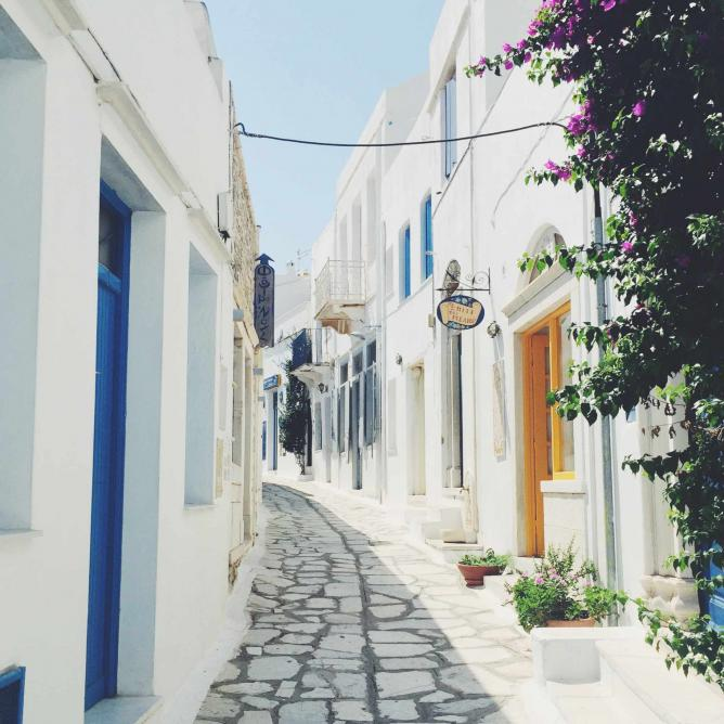 Pirgos town in Tinos| © Gourmet Project