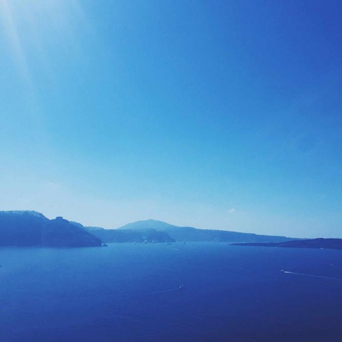 Santorini's Caldera | © Gourmet Project
