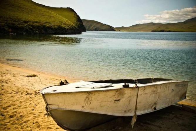Baikal Boat © Konstantin/Flickr