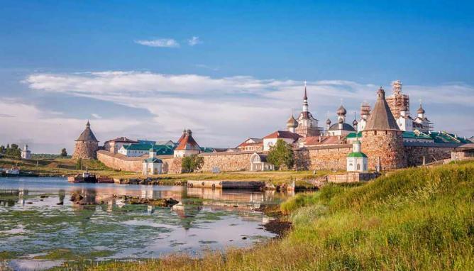 Solovetsky Islands (Solovki Islands) © Linazet/WikiCommons