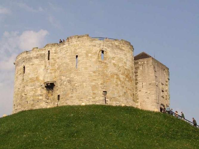 Clifford's Tower | © Anna Kowalczyk/Wikicommons