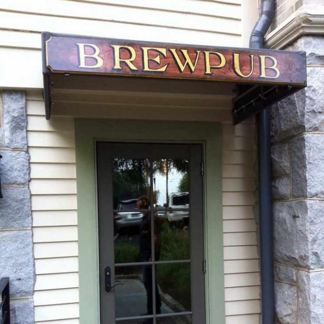 Wrecking Bar Brewpub | © Maura Neil/Flickr
