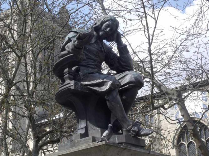 Sir Thomas Browne Statue | Ⓒ Elliott Brown/Flickr