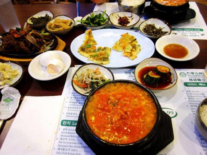 Jeun Tong Banchan Tofu   ©Samantha Celera/Flickr