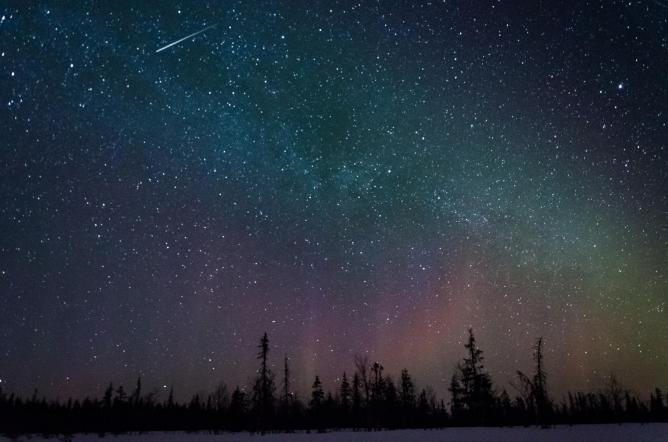 The night sky over Lapland © Lucas MarcominiFlickr