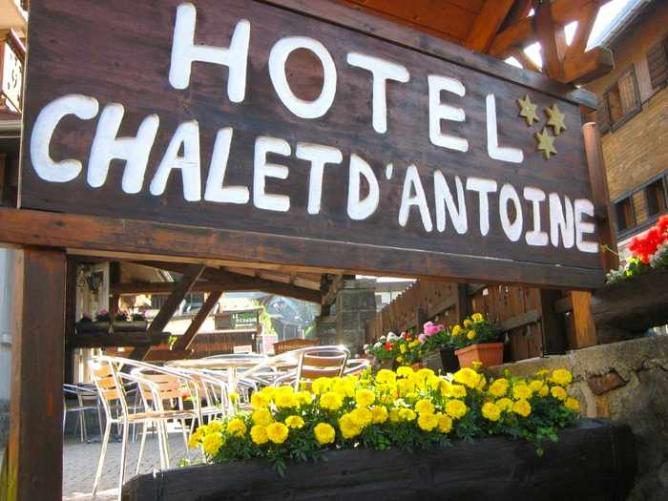 Hotel Chalet D'Antoine - Image courtesy of Simon Butler Summer