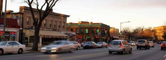 View of Cactus Cantina along Wisconsin Avenue | ©Asiir/WikiCommons