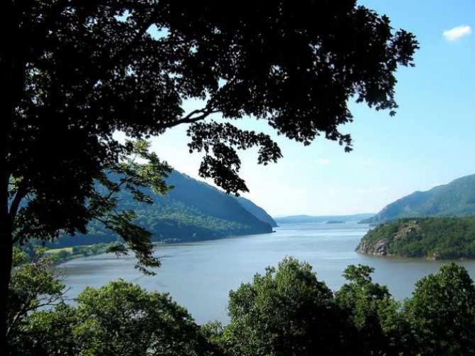 Hudson River ~ West Point, New York | © Elizabeth Bean/Flickr