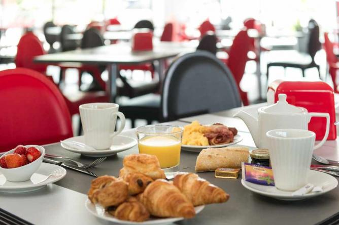 Breakfast at the Athena Spa Hotel | Image courtesy of the Athena Spa Hotel