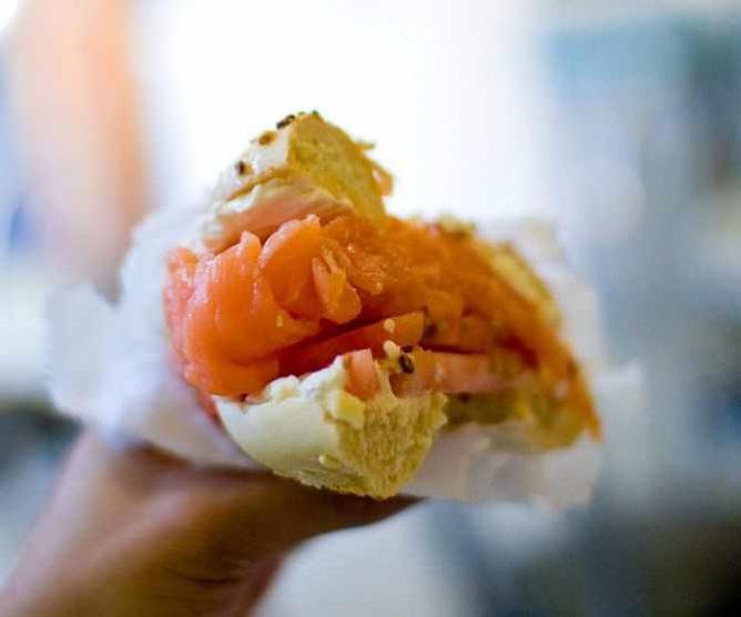 Bagel with lox | © Kenneth Lu/Flickr
