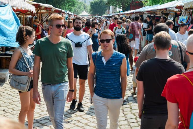 Mauerpark Flea Market   © Sarah Kabatt