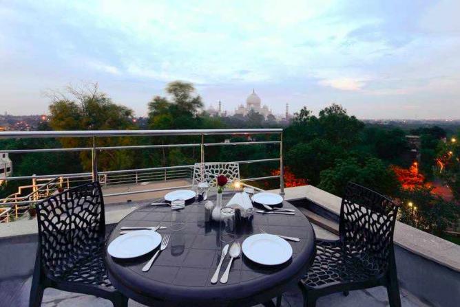Hotel Atulyaa Taj | Courtesy of Hotel Atulyaa Taj